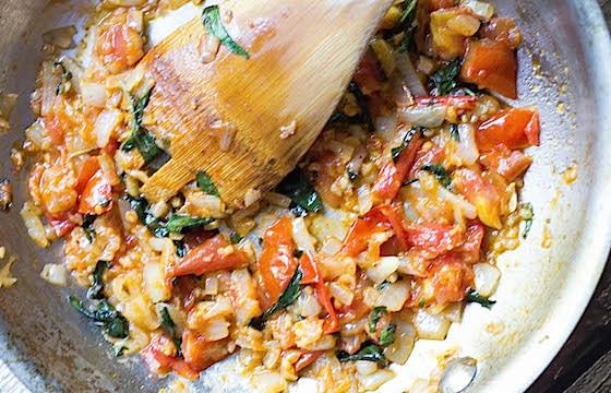 Simple Rustic Pomodoro Sauce (V + GF)