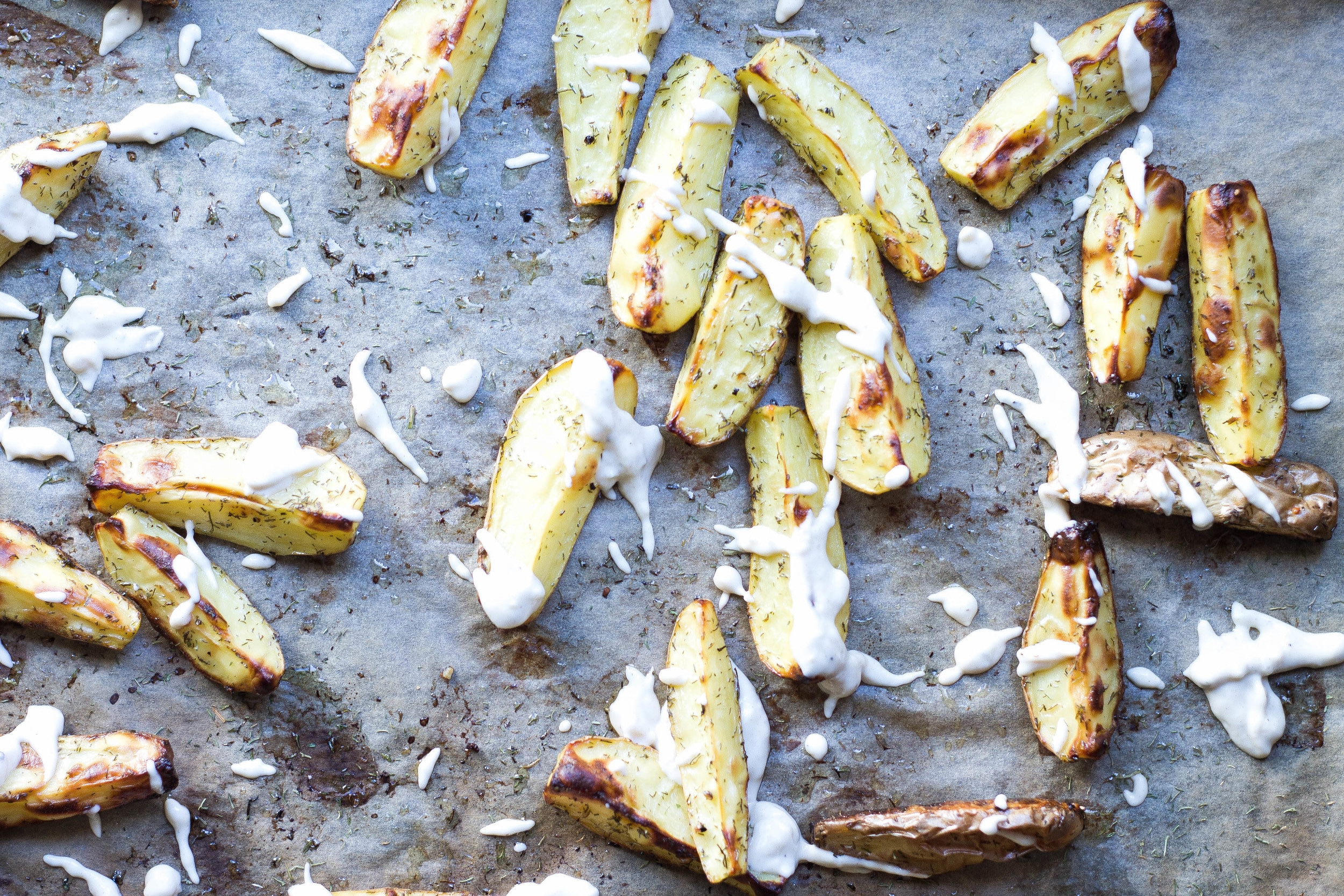 Dill Roasted Fingerlings with Garlic Aioli (Vegan, Dairy-free, Grain-free)