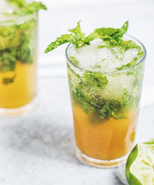 //NEW POST// NETTLE TEA MOJITOS to seriously refresh and renew you!!! (Link in profile) ---- In learning more about herbs, I fell in love with Stinging Nettle Tea and well it's too hot for tea so I made it more interesting as a mocktail ☀️ You can make this with any tea you like, but read all the benefits of this one below... I DARE you to try it! This drink is  ---- Stinging Nettle is a(n): ✅ antioxidant ✅ antimicrobial ✅ anti-ulcer ✅ astringent & analgesic ---- It's been used in treating: painful muscles and joints eczema arthritis gout anemia urinary issues blood sugar control for diabetes to promote lactation to stimulate hair growth ... and more. ---- It's a super powerful herb making a fantastic fizzy summer drink that HEALS.  This combined with fresh mint leaves, lime and a touch of raw honey.... w h a t ?! SET. IT. UP.  Who's drinking with me??  ------------------------------------------ . . . . . .  #foodbymars #f52grams @thefeedfeed #feedfeed #foodblogfeed @foodblogfeed #goopmake @food #eatpretty #inspirehealthy #iamwellandgood #thenewhealthy #mocktail  #howisummer #foodandwine #hereismyfood #buzzfeast #healthycuisines #BAreaders #imsomartha #gloobyfood #myallrecipes #whstrong #sweetpaulsummer #thatsdarling #abmlifeissweet #celebratehealthier #mybeautifulmess #flashesofdelight #flashesofsummer #gg5things #darlingweekend #TF21daychallenge