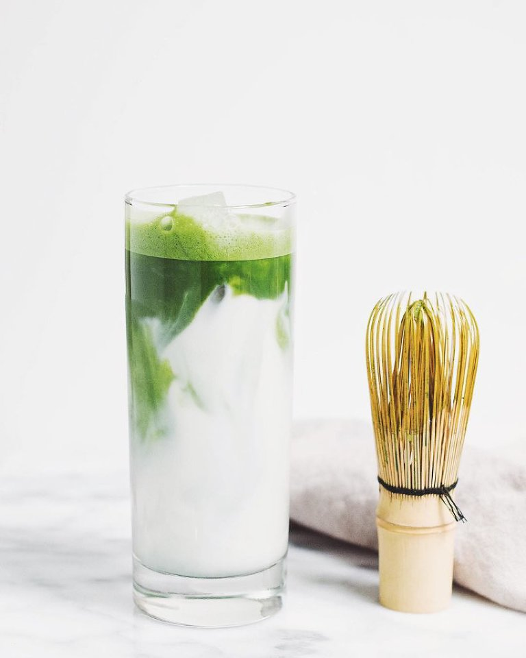 the best iced matcha latte (dairy-free, vegan) via Food by Mars