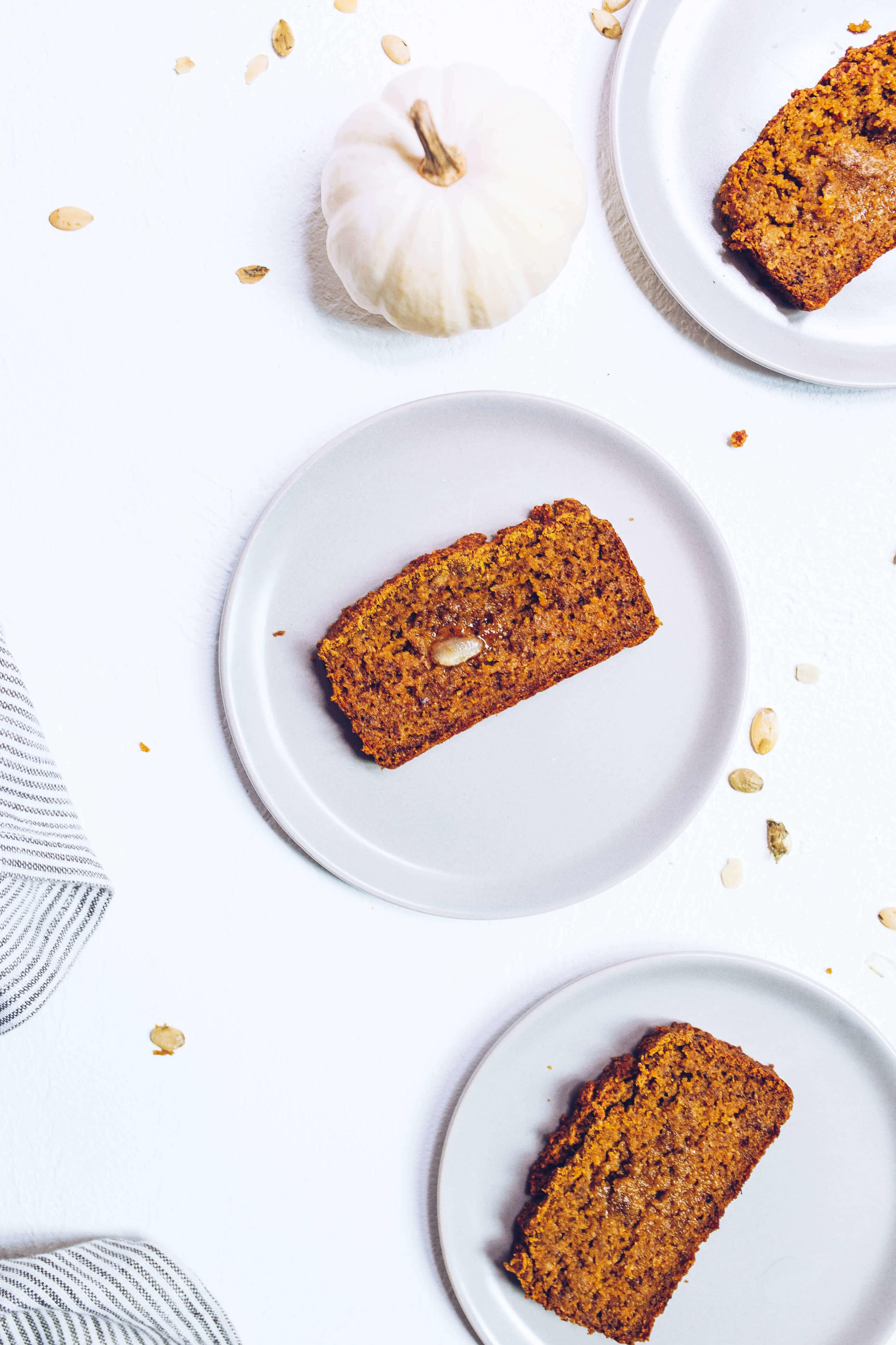 Paleo Pumpkin Banana Bread (refined sugar-free, gluten-free, grain-free) via Food by Mars