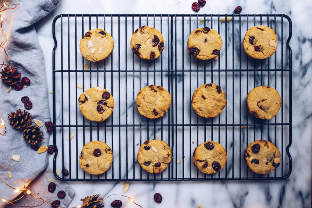 Paleo Cranberry Almond Shortbread Cookies via Food by Mars (gluten-free, grain-free, refined sugar-free)