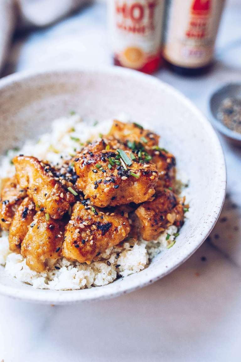 Paleo Crispy Sesame Chicken with Cauli Rice via Food by Mars