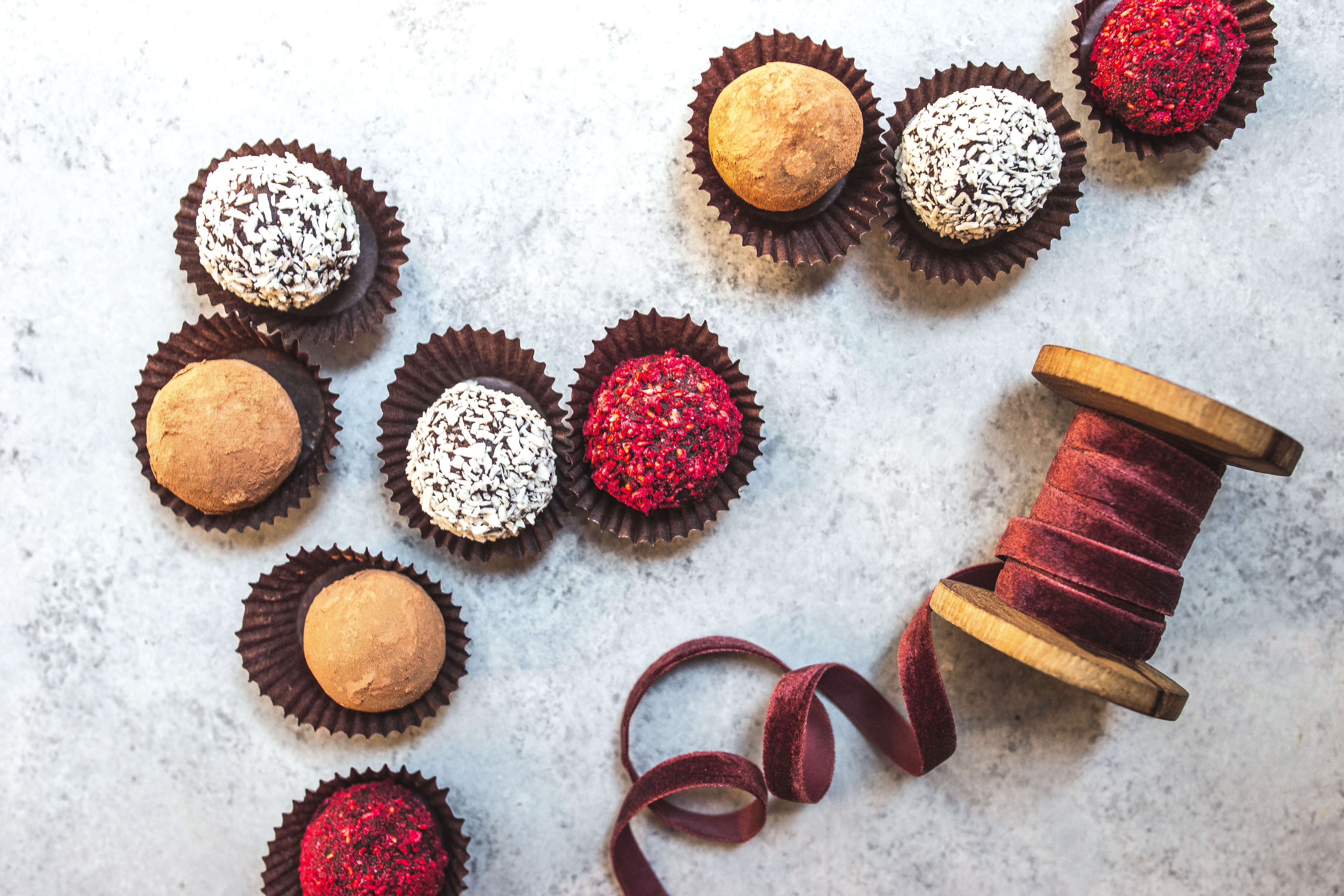dairy-free chocolate truffles via Food by Mars