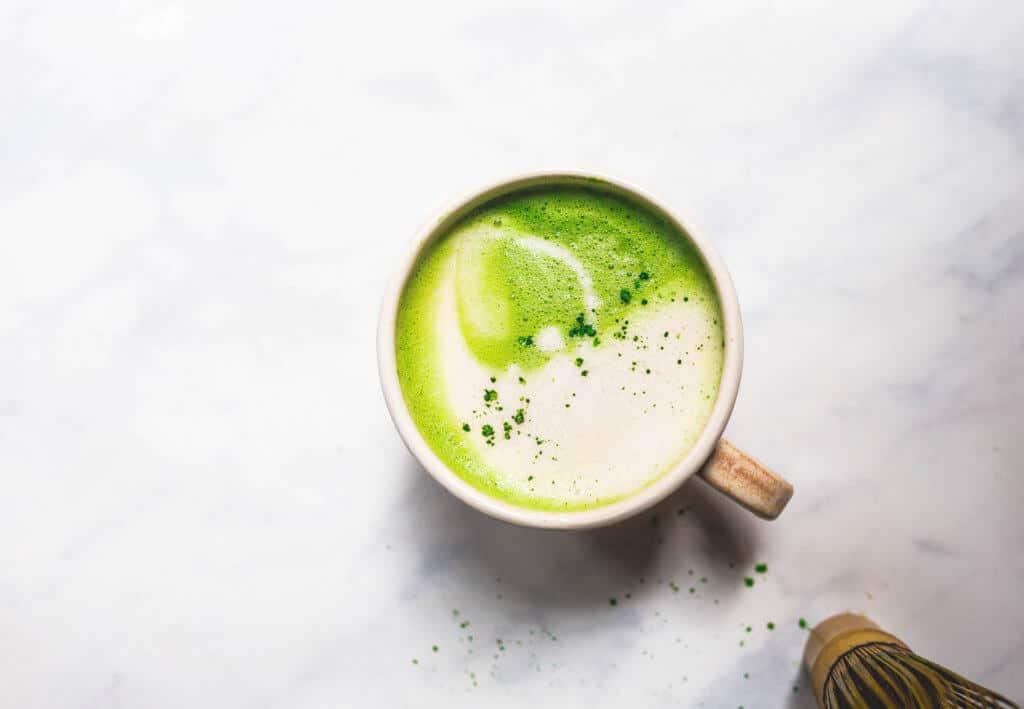 the best iced matcha latte (dairy-free, vegan) via Food by Mars