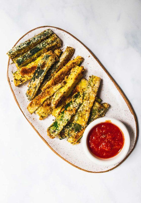 baked zucchini fries (paleo, low-carb, gluten-free) via Foodbymars