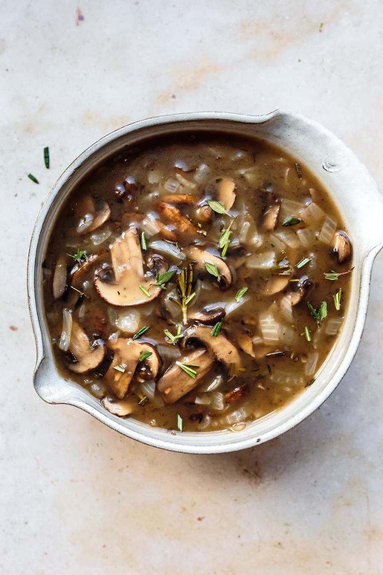 homemade herbed mushroom gravy
