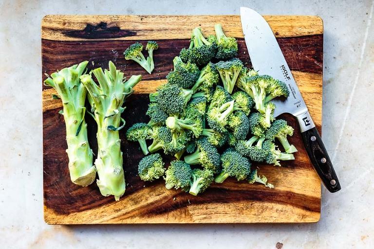 cutting broccoli rice