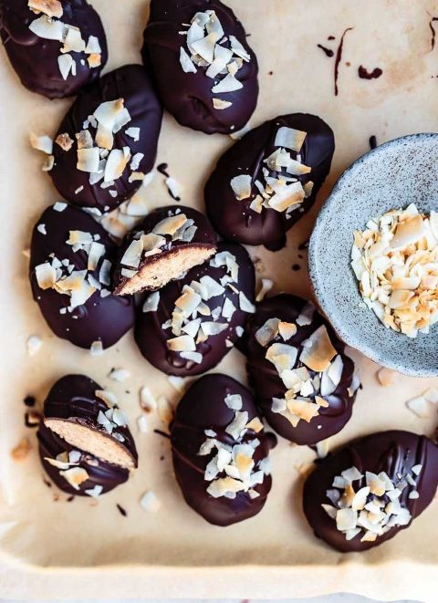 how to make paleo nut-free chocolate easter eggs with toasted coconut butter